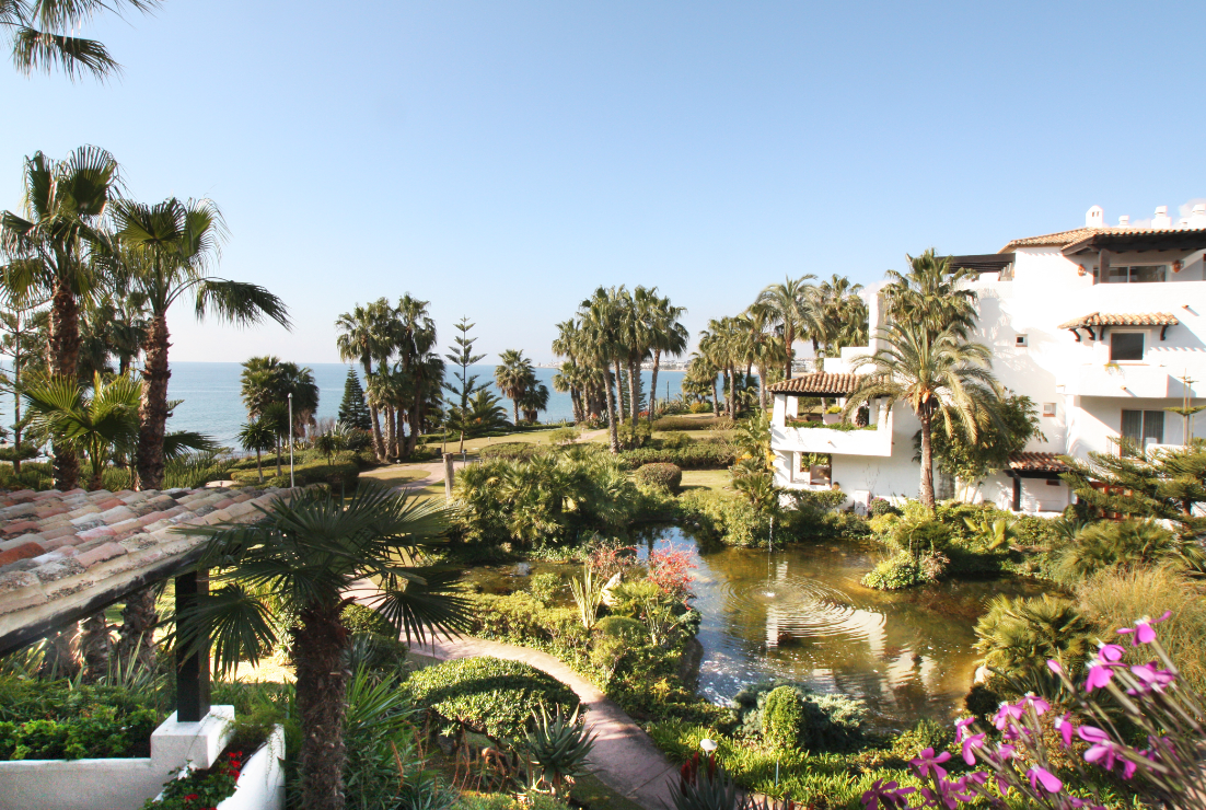 Luxury complex frontline beach Marbella Golden Mile