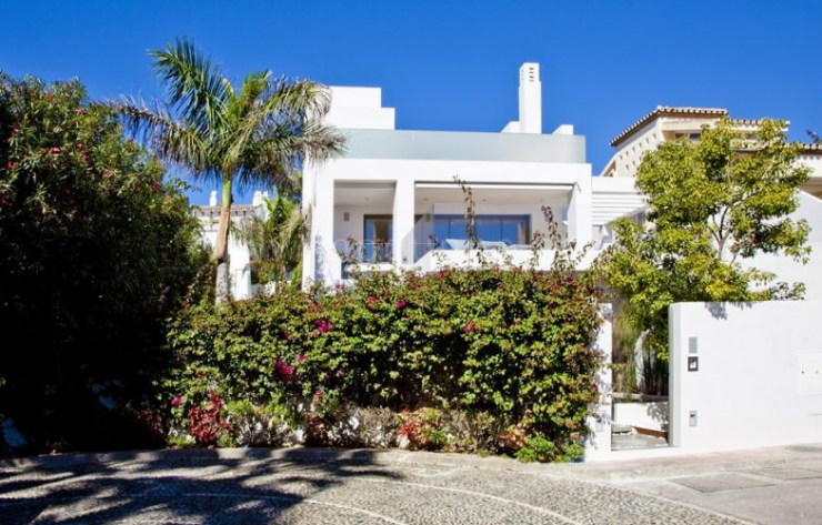 Marbella Luxury Villas and Apartments extends to a Golden triangle