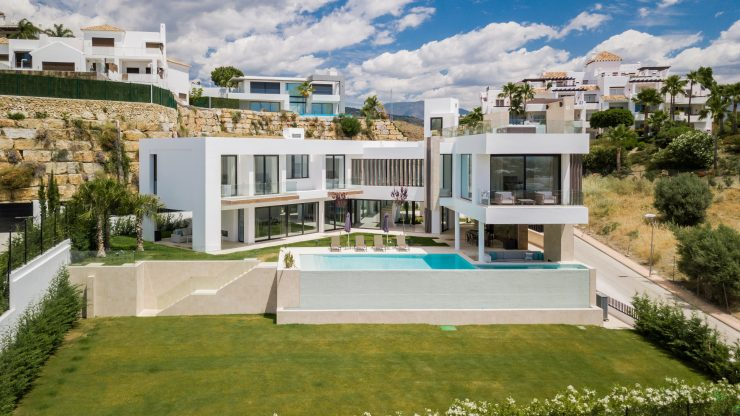 New Ultra Modern Contemporary Villa with Panoramic Sea & Golf Views