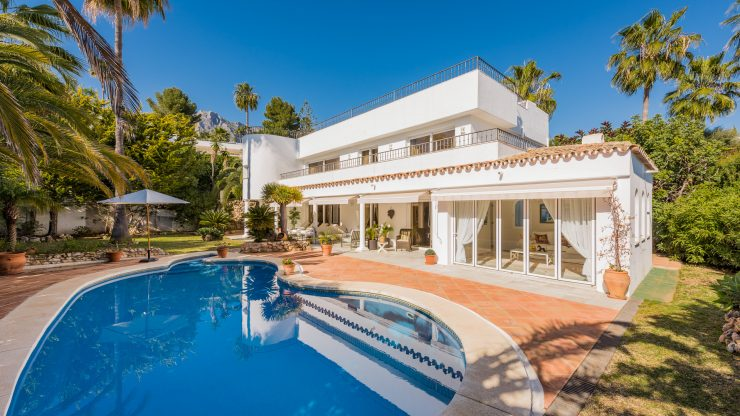 Villas élégantes à Altos Reales, Marbella Golden Mile