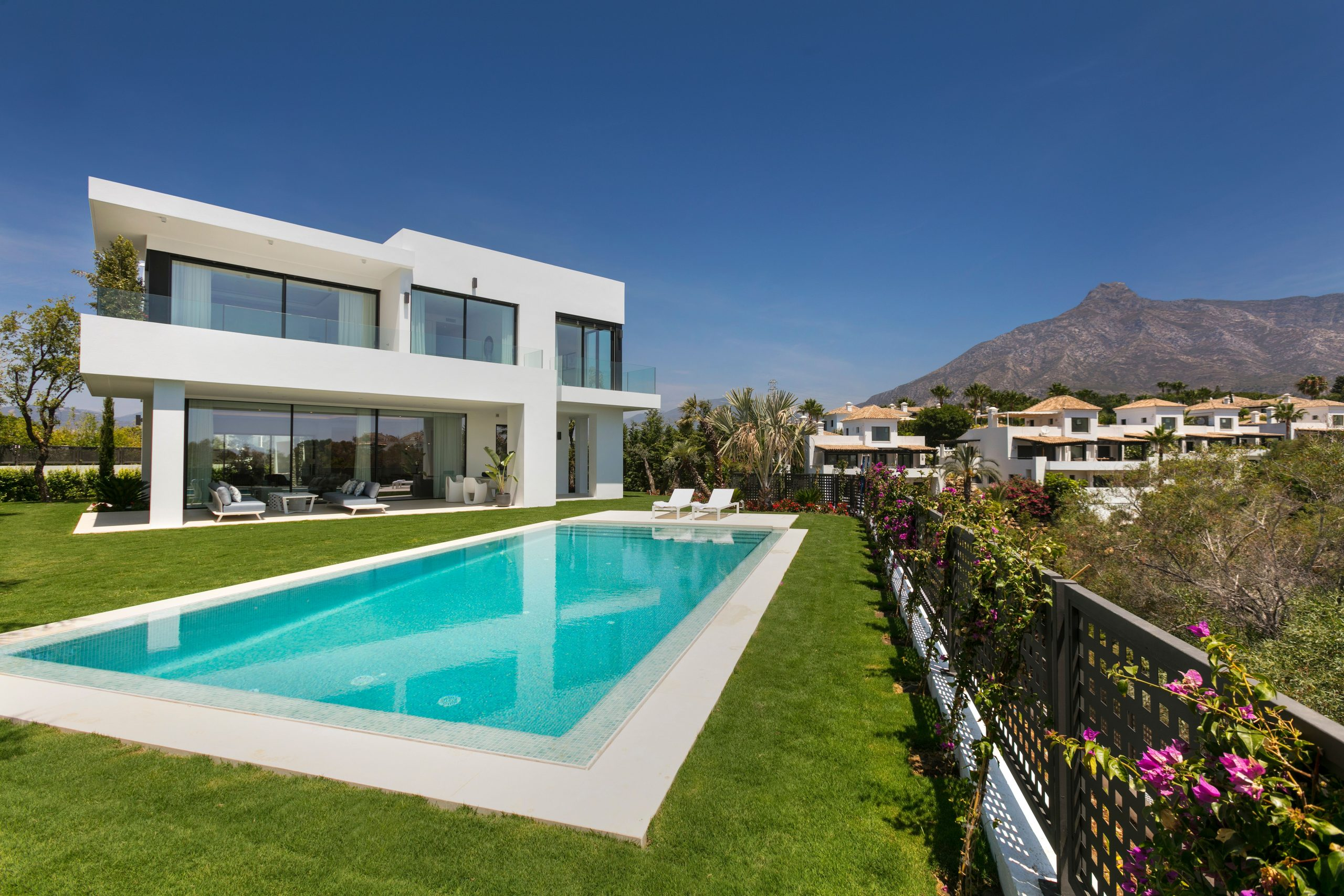 New villa in Marbella and Costa del Sol