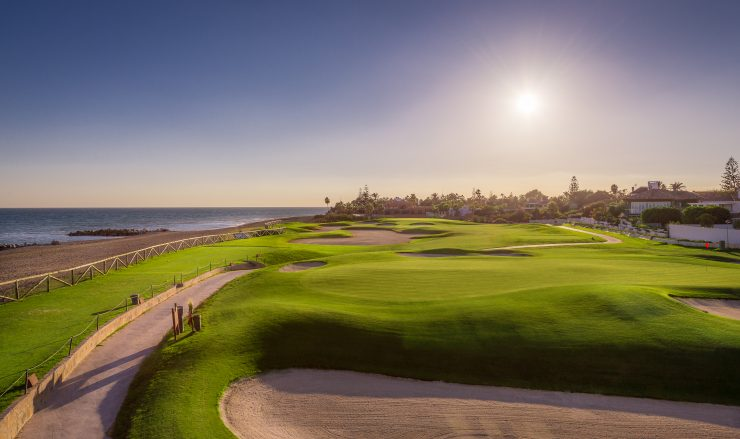 Marbella's Golf Season and Golf Properties